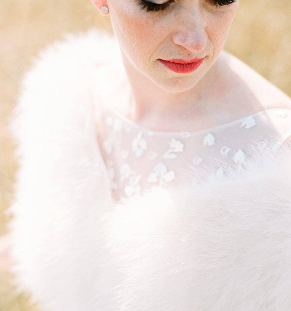 foto bruid met rode lippen