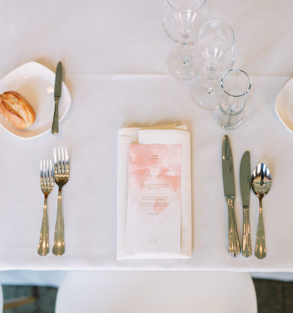 gedekte tafel trouwfeest