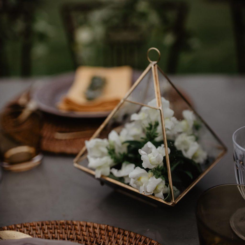 bloemen tijdens een trouw fotoshoot in de Provence