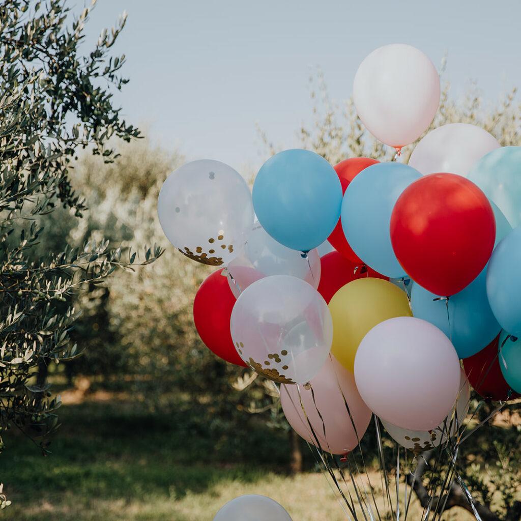 huwelijk in Italië door weddingplanner Event'L aan het gardameer met een ceremonie tussen de olijfbomen