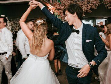 Dansfeest tijdens huwelijk